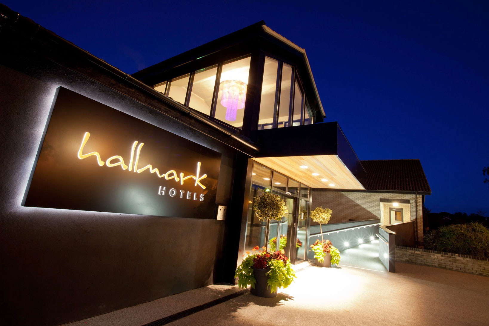 GEM's gain an insight into the Hospitality sector with a tour of the Hallmark Hotel